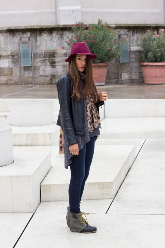 Rainy Days Boots Fall Street style Ideas – fashiontur.com in 2020 .