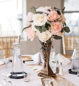 5 Lavish Rose Gold Quinceanera Combinations | Wedding floral .