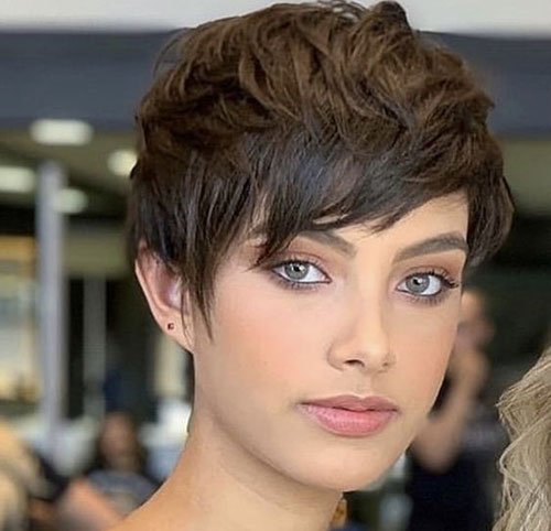 50 Latest Short Haircuts for Women 20