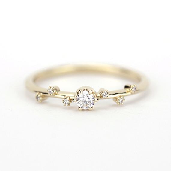 Delicate engagement ring simple diamond ring white diamond | Et