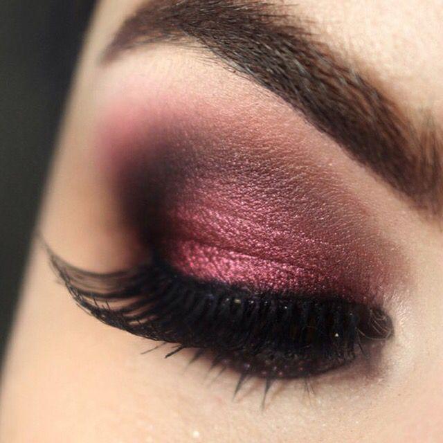 Dark red, copper, smokey eye | Eye makeup, Purple makeup, Burgundy .