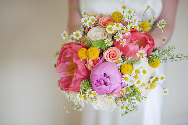 35 Stunning Wedding Bouquets for Spring/Summer Brides   weddingsonli