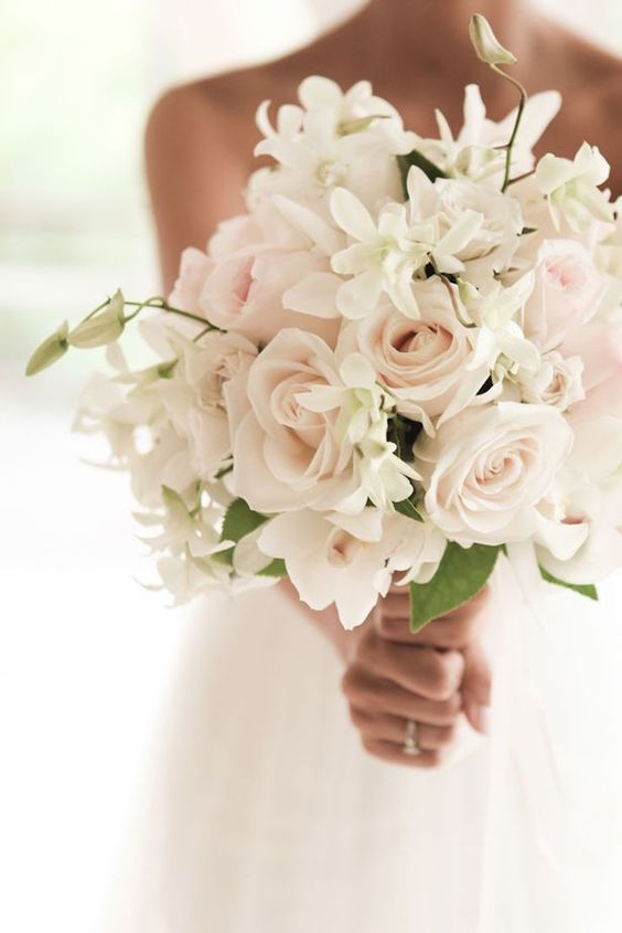 12 Stunning Wedding Bouquets - 36th Edition - Belle The Magazine .