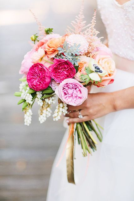 15 Bright and Beautiful Wedding Bouque