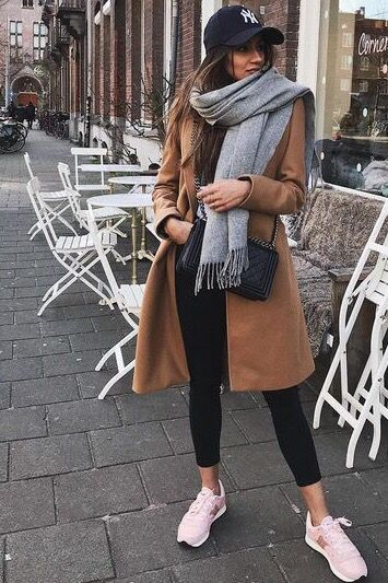 40 Stylish Scarf For Winter Ideas | Classy winter outfits, Chic .