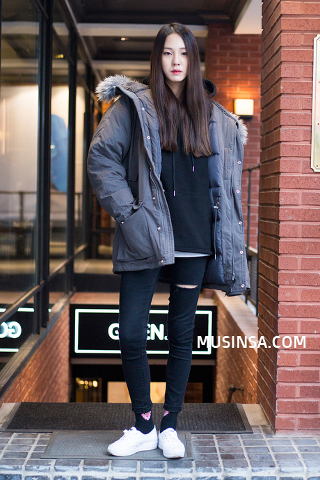 Korean Fashion Blog online style trend | Korean winter outfits .