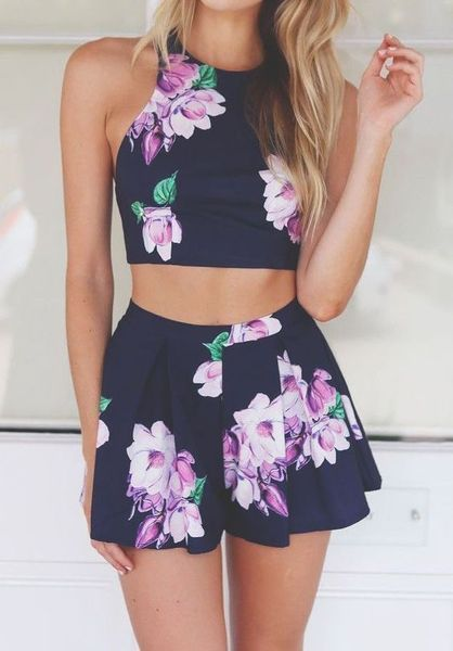 Sweet Floral Beach Summer Dress Ideas in 2020 | Crop top outfits .