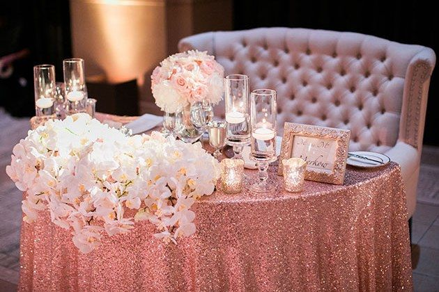 10 Sweetheart Table Ideas You'll Fall Head Over Heels For .