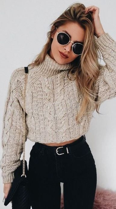 15 Cute Crop Top Sweater Outfits To Wear This Winter | Tenues mode .