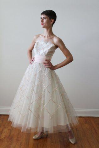 The Best Tea Length Dresses for Elegant Brides - The Trend Spott