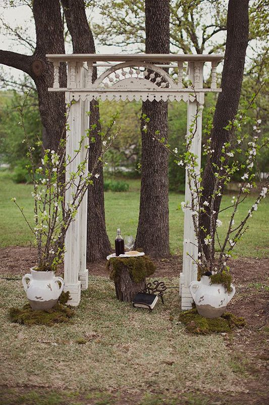 Wedding Decor Inspiration: Ceremony Arches, Canopies and Arbors .
